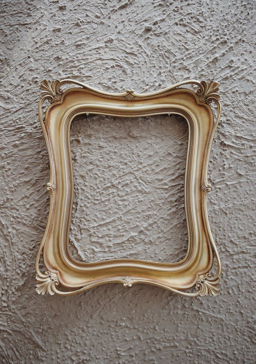 Metal Vs Wood Picture Frames: Which Is Better?
